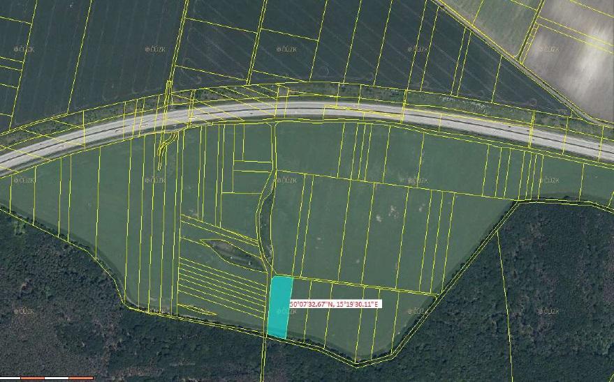 EXE_Podíl 1/4 pozemku o rozloze 5203 m2 v obci